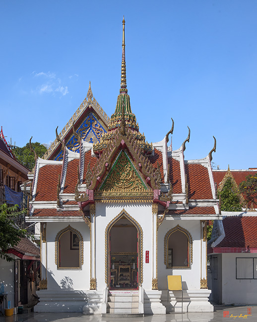 Wat Maha Pruettharam Four Gable Walls Temple วัดมหาพฤฒาราม มณฑป Photograph